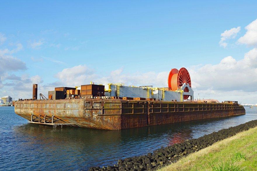 cable submarino grande